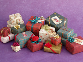 printable dollhouse Christmas presents